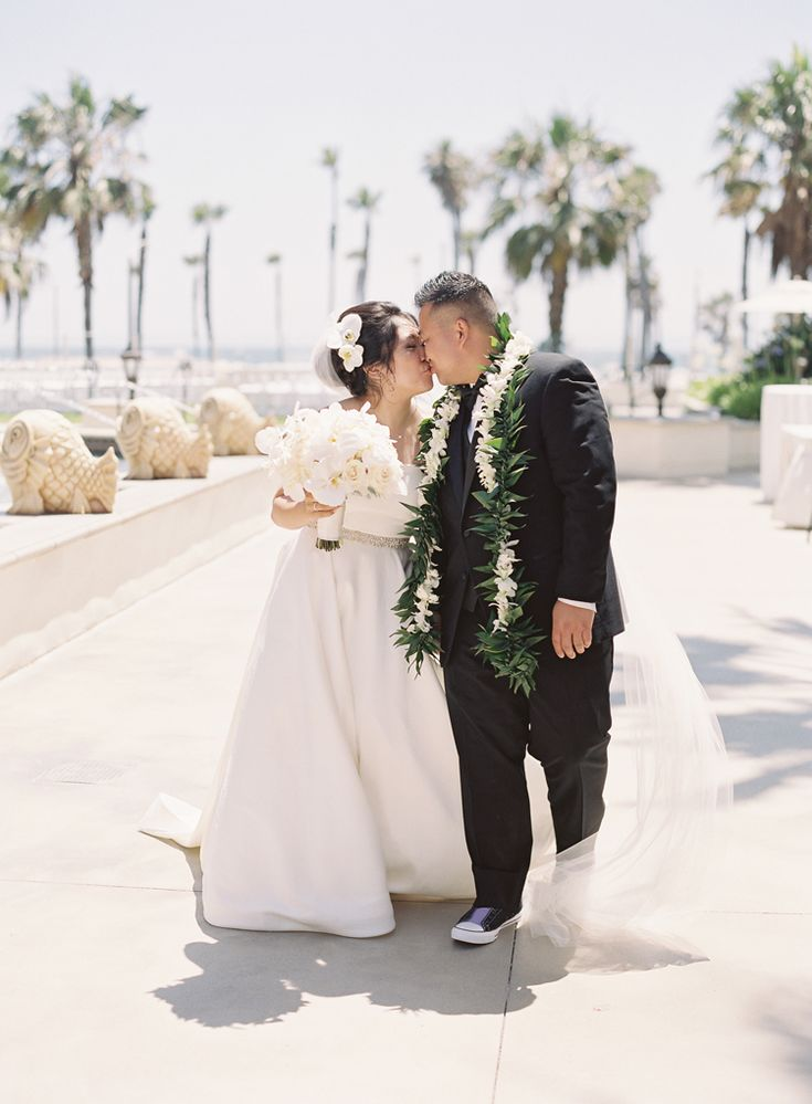 Elegant Outdoor Wedding at Hyatt Huntington Beach | Southern California wedding venues (Caroline Tran Photography)