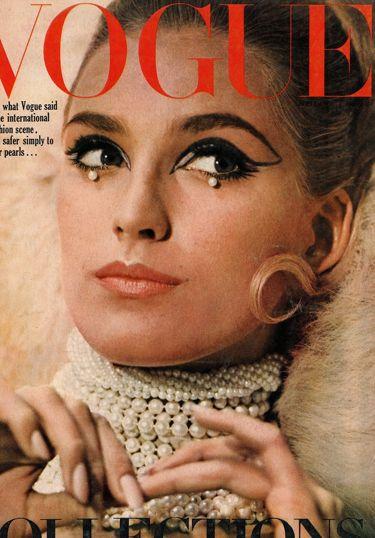 Photography by Norman Parkinson Marika Greene - September 1965