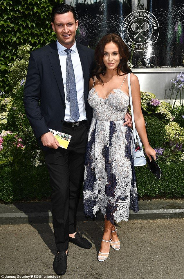 Vicky Pattison flashes ample assets at Wimbledon #dailymail