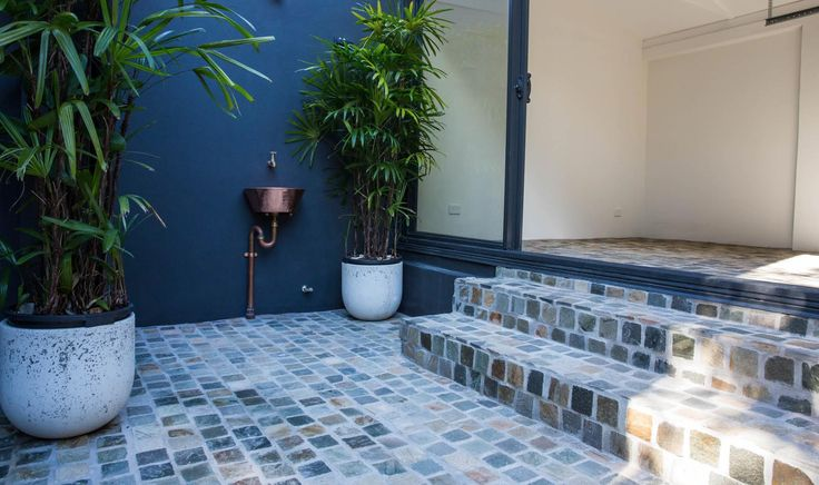 Bonza Quartz Cobblestone are mainly used for a driveways or as other landscape areas. Visit our website to learn the various characteristics of each stone and receive individual assistance in choosing just the right product to beautify your home and garden.  http://www.armstone.com.au/products/cobblestones/bonza/