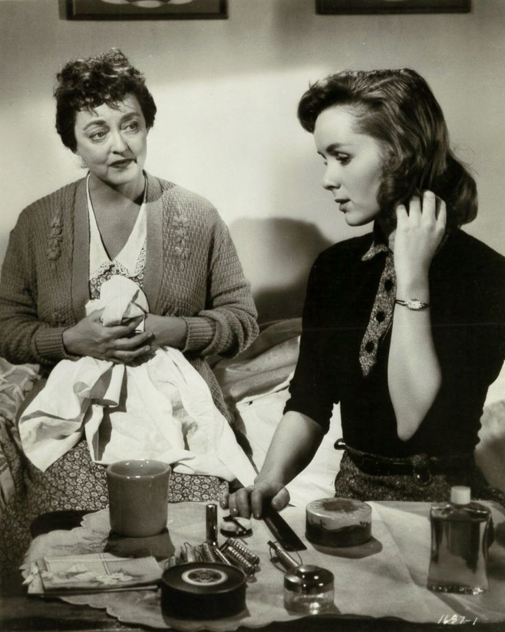 Bette Davis and Debbie Reynolds