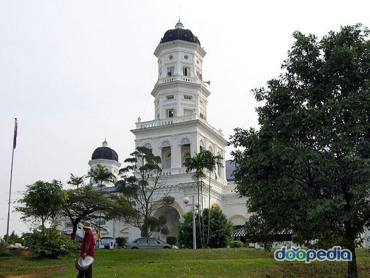 술탄 아부바크르 모스크, 말레이시아 조호르주 조호바루에 있는 이슬람 사원. [네이버 지식백과] 이슬람교 [Islam, ─敎] (두산백과)