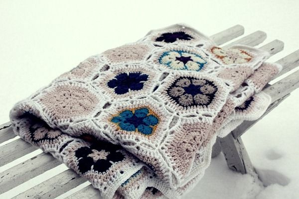 African flower blanket in neutrals, nice!