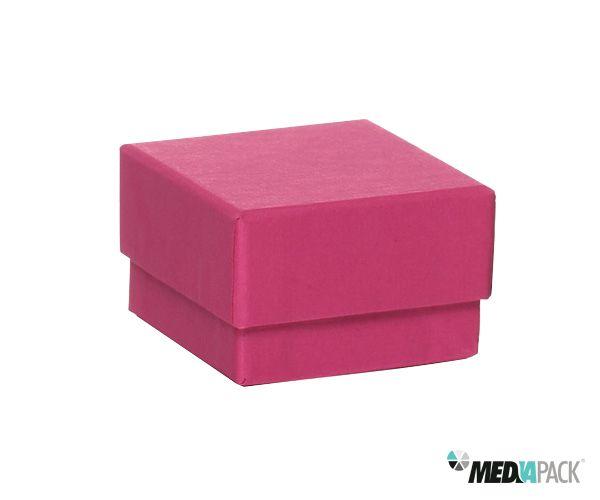 Caixa de cartão rosa. Disponível em mais cores.