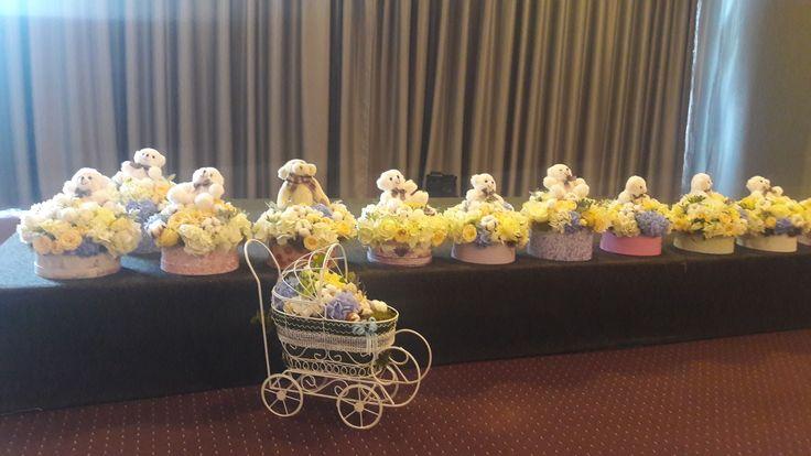 Flowers decorations. Bear  deco. Bear flowers ideas. Bear theme. Baby boy. Alina Ariton event planner.
