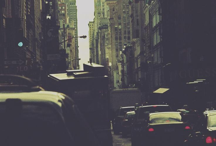 Photo Simon Gaviria - Minolta XD11/lomo xpro #nyc #newyork #bus #mta #traffic