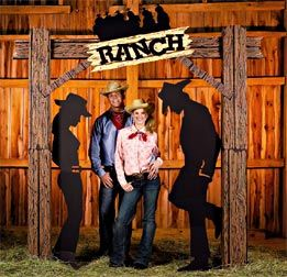 Cool idea for a western party picture theme!