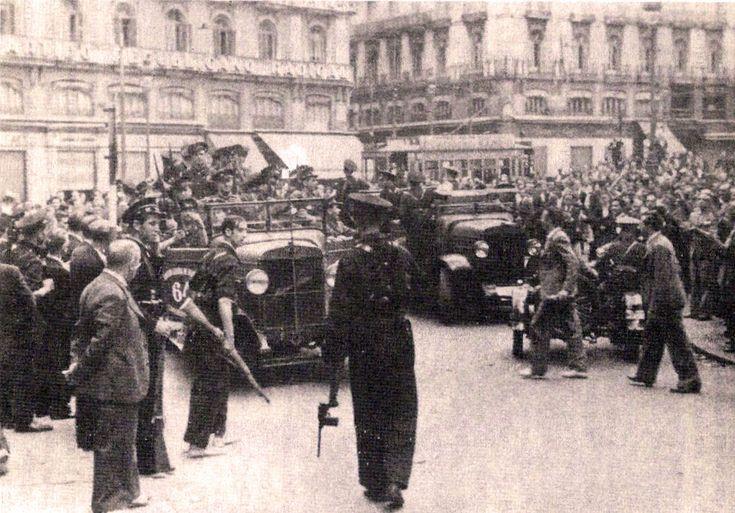Tropas de asalto concentradas en la Puerta del Sol. Madrid, 20 de julio de 1936 - Portal Fuenterrebollo