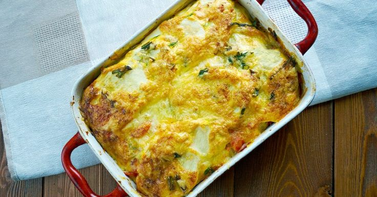 """Easy No Noodle Lasagna, aka Ricotta Bake-THIS LOW CARB, SUPER HIGH PROTEIN LASAGNA IS PERFECT WHEN YOU NEED A COMFORTING MEAL TO SATISFY YOUR CRAVING FOR ITALIAN FOOD. You won't even miss the noodles in this one. It's wonderful. A rich meaty sauce topped with dollops of lasagna cheese. This one tastes even better than it looks. Author: Susan Marie Leach """"Before & After"""" bariatriceating.com"""