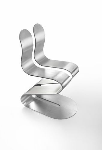 Awesome The Fluid Ribbon Chair Is A Sculpture Embedded With Biomechanics.