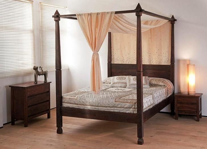 Bedroom: Mesmerizing Four-Poster Bed With Gorgeous Canopy Bed Curtains Mesmerizing Four Poster Bed With Simple Canopy Bed Curtains Plus Romantic Desk Lamp