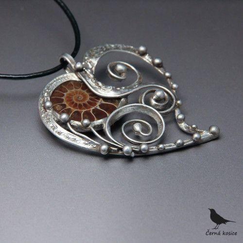 Zamilovaný šnek (Ametyst) - náhrdelník