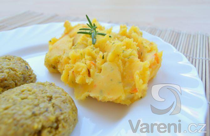 Recept na pyré z brambor, dýně hokaido a bylinek. Skvělá příloha třeba ke…