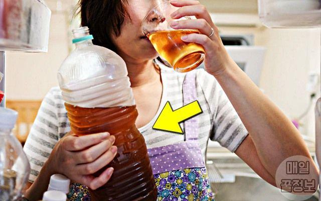 몸에 좋아도 절대 벌컥벌컥 물 대신 마시면 안되는 차 종류 끓인 물에 티백 차를 우려서 평소에 물 대신 드시는 분들 많죠 저희 집도 주전자에 보리차 끓여 놓고 마시는데요 그런데 물 대신 마실
