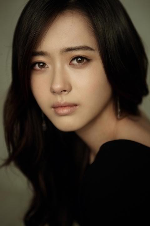Natural asian brows