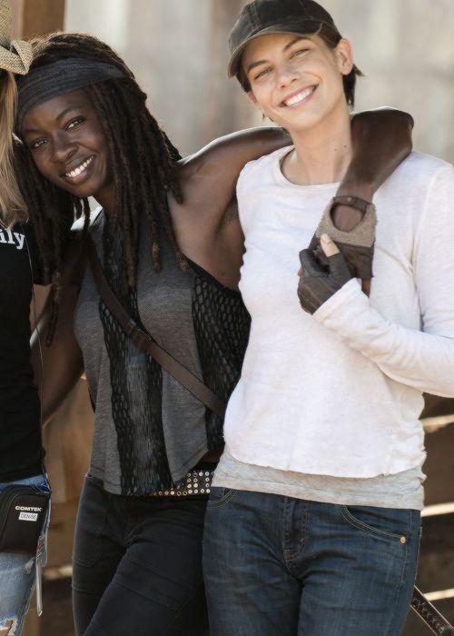 Danai Gurira and Lauren Cohan behind the scenes of Season 7 Episode 8 | Hearts Still Beating