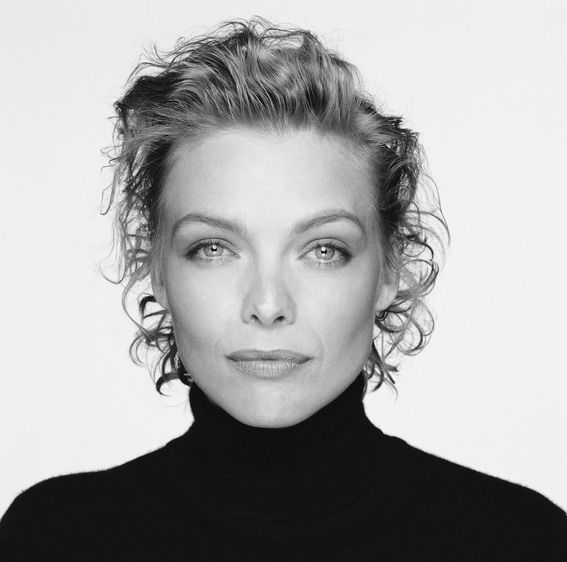 American actress Michelle Pfeiffer, circa 1990. (Photo by Terry O'Neill/Hulton Archive/Getty Images)