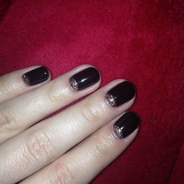 #uñas #unhas #unghie #ungles #nail #nails #fashion  #design #decoración #cnd #shellac  #sansebastian #donostia #fashion #style #manicure #gel #nailart #art  #black #blackpool #rosegold #halfmoon