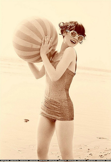 Vintage beach love.