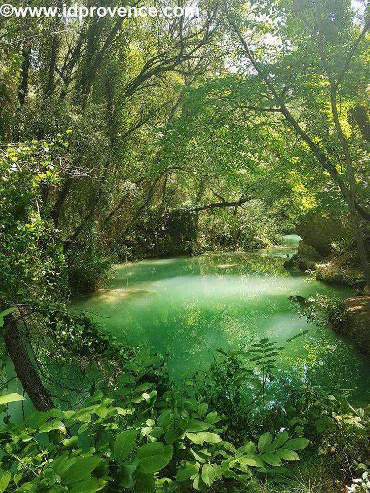 Wasserfälle Sillans-la-Cascade in der grünen Provence.