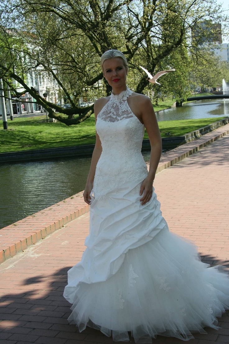 12 best OPRUIMING BRUIDSJURKEN images on Pinterest   Wedding frocks ...