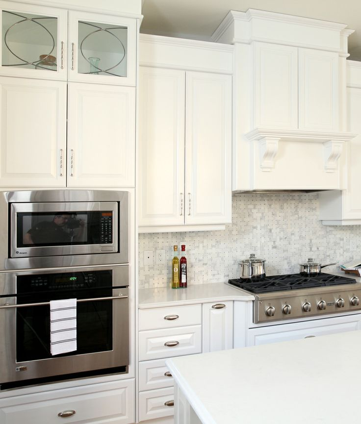 New Stainless steel oven,microwave and gas range stove!  Cooking in this kitchen would be a dream! Lethbridge, AB