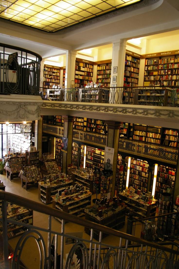 1917, L Tosi: Librería Puro Verso (original Óptica Pablo Ferrando), peatonal Sarandí 675 esq. Bacacay en Ciudad Vieja de Montevideo, Uruguay.