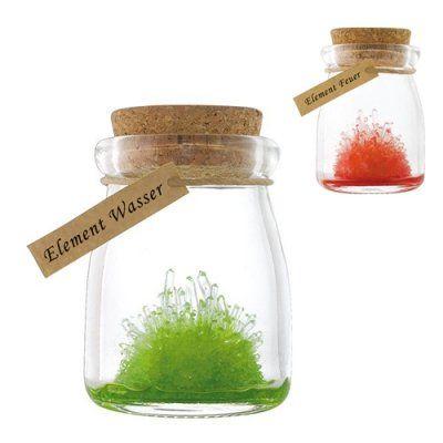 Hol' Dir das Wunderwerk der Natur nach Hause! Das Kristallzucht Set ermöglicht es dir, dieses kleine Spektakel für Geeks hautnah mitzuerleben. via: www.monsterzeug.de