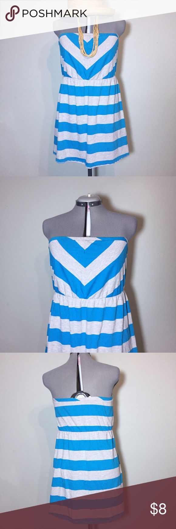 """Mossimo Blue & Gray Striped Strapless Summer Dress Mossimo Blue & Gray Striped Strapless Summer Dress. Size XL measures flat: 17-22"""" across elastic at top, 16-22"""" across waist, 28"""" across bottom, 28"""" long. 60% cotton, 40% poly. There is some piling from washing but it is t too bad521/25/060117 Mossimo Supply Co Dresses Strapless"""