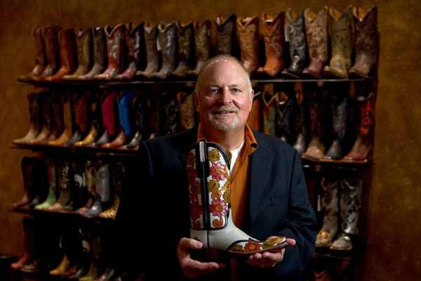 Texas boot makers keep tradition alive | Houston Rodeo | a Chron.com blog #Lucchese #cowboyboot