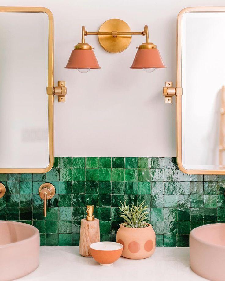 Green Terracotta Tile In The Bathroom Mit Bildern Kleines Bad