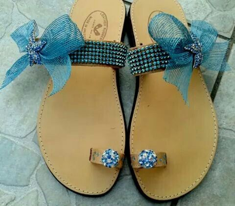 Leather flip flops with aquamarine rhinestones and starfish