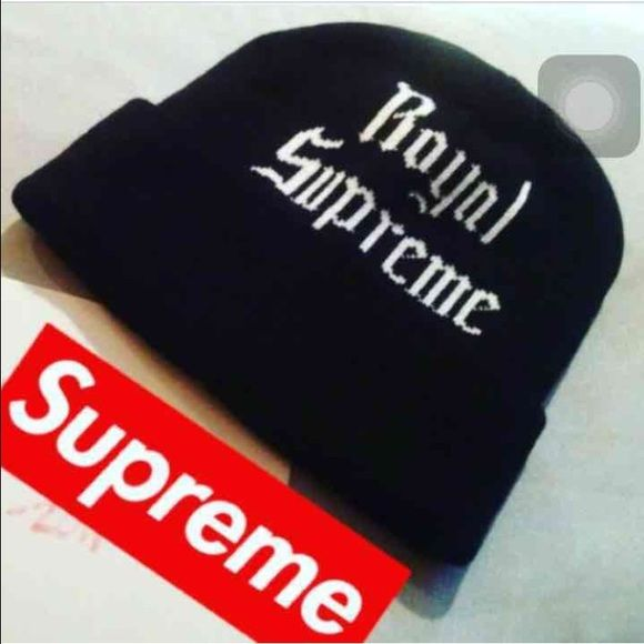 Authentic Royal supreme beanie Sold out on line. 100%authentic. In good condition.#bape#palace#adidas Supreme Accessories Hats