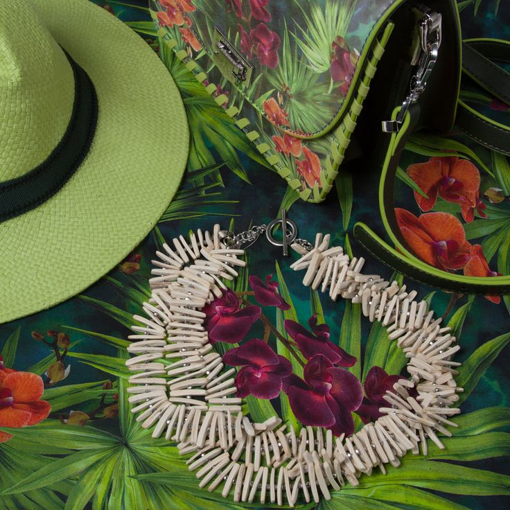 Exotic inspiration for the summer wardrobe, with big, brightly coloured prints. Tops, dresses, jogging pants and accessories in vitamin-packed hues for a truly unique look. Enjoy Tropical!