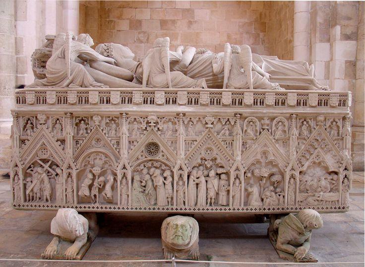 Túmulo de D. Inês de Castro - Mosteiro de Alcobaça – Wikipédia, a enciclopédia livre Foto SaraPCNeves