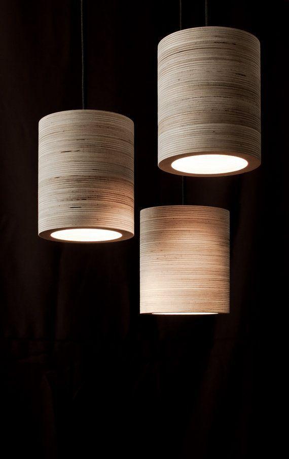 C-Licht. Zylindrische Deckenleuchte Sperrholz