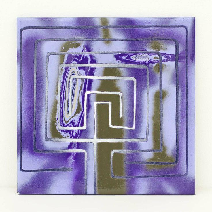 "Akiyoshi Mishima ""Not such issue, 020″, 2014 Lackspray, ceramic 20 x 20 x 1,5 cm"