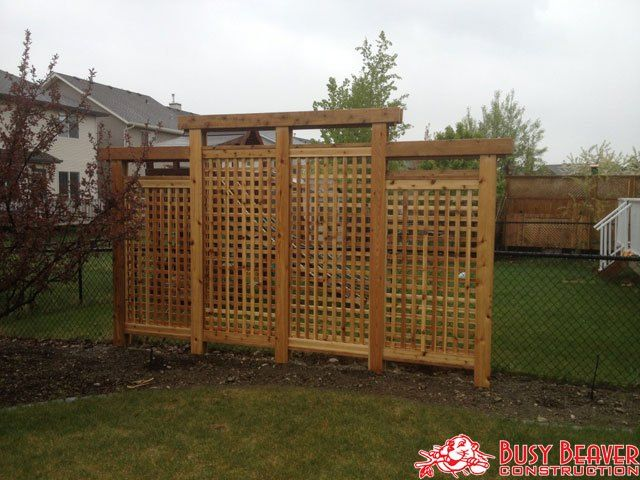 Busy Beaver Construction is a leading deck and fence builder in Calgary. Here's why:
