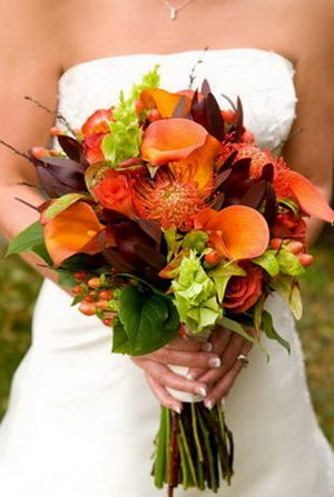 bouquet-great overall mix of flowers, berries and great color