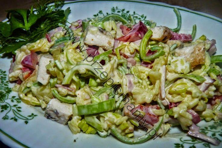 www.przepismamy.pl: Sałatka z kurczaka i ryżu
