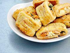 Pastejer med varmrökt lax och getost Ska testa med smördeg istället
