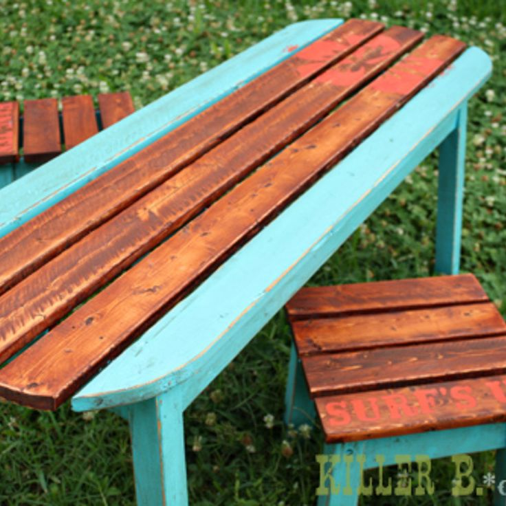 Kids Surfboard Table and Stools.... Love the contrast of stained wood and paint