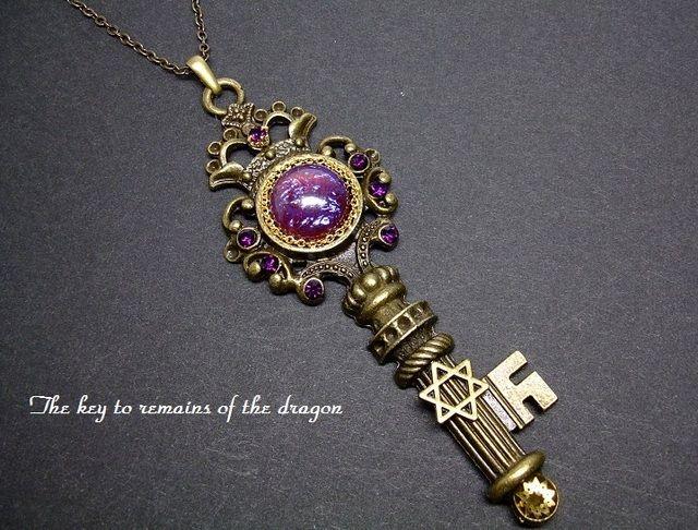 【送料無料】ドラゴン遺跡の鍵ネックレス by lioness アクセサリー ネックレス