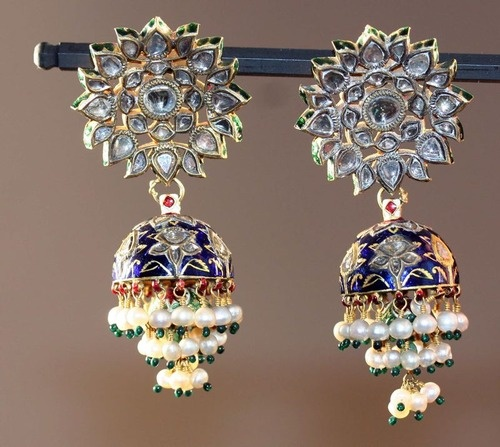 Earrings (Karanphul Jhumka), 18th/19th cenury    India, Rajasthan    Gold, diamonds, and pearls inset in the kundan technique, with polychrome enamel (minakari)