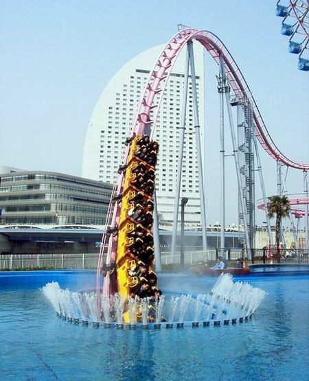 Catalina!!!  Vanish roller coaster at Cosmo Land in Japan unexpectedly dives into an underwater tunnel.