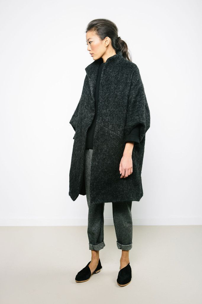 That Kind Of Woman | Love this minimalist look? Head to www.hercouturelife.com for more inspiration now!