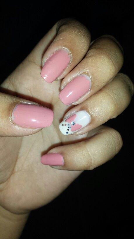 Pink bow nail art