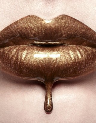 i walk into the room dripping...in gold.: Kiss, Chocolate, Gold Lips, Makeup, Art, Luscious Lips, Brown, Beauty, Hair