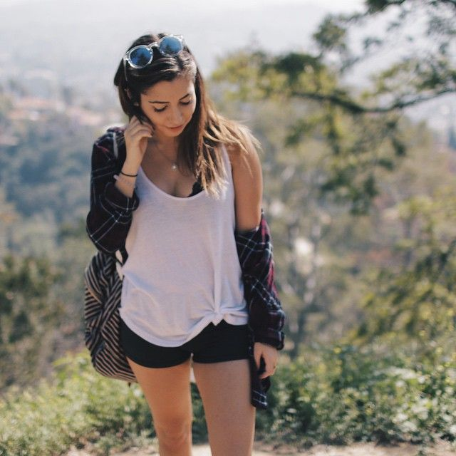 Cute hiking outfit // taramassicotte on Instagram