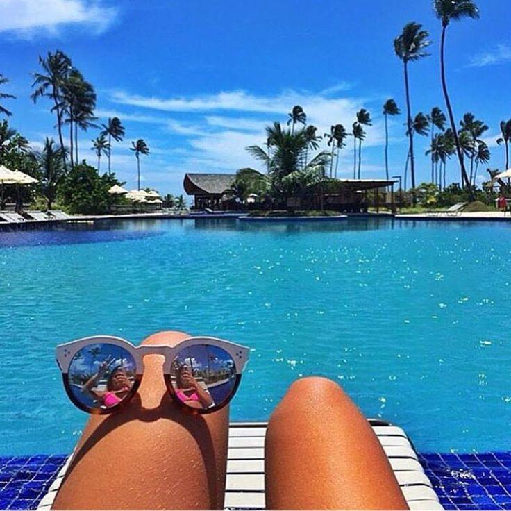 Companhia perfeita e inseparavel! #oculos #piscina #oticaswanny #illesteva #compreonline #sol #verao #oculosdesol #espelhado